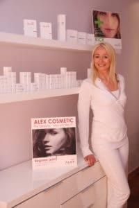 Elke Barnes - Kosmetikerin